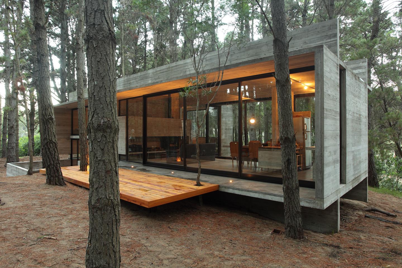 Casa cher bak arquitectos bak architects plataforma for Casas alargadas