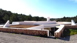 Centro Cívico en Sant Mateu d'Aubarca / Inès Vidal Farré
