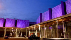 Strip Center El Rodeo / Vial AG
