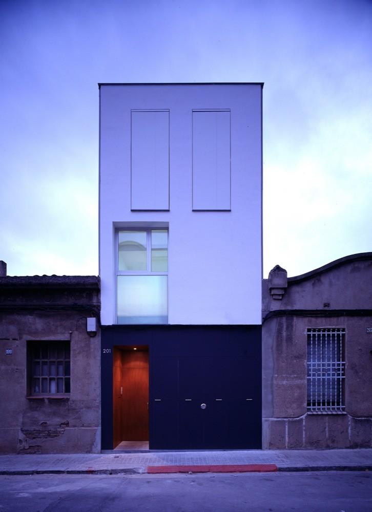 Casa 127 / H ARQUITECTES