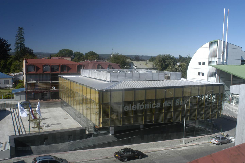 Edificio oficinas centrales telsur schmidt arquitectos for Ahorramas telefono oficinas centrales