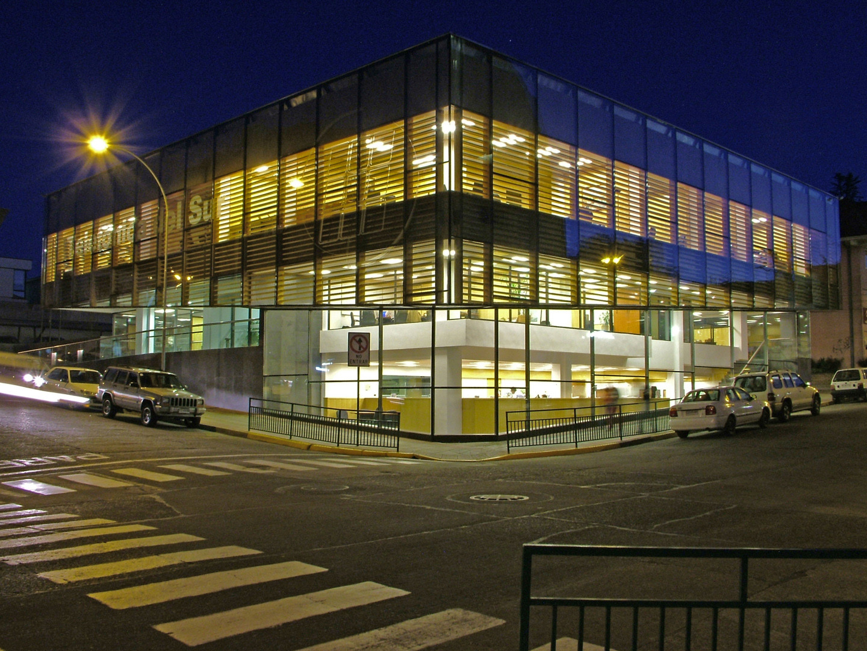 Edificio oficinas centrales telsur schmidt arquitectos for Edificio oficinas