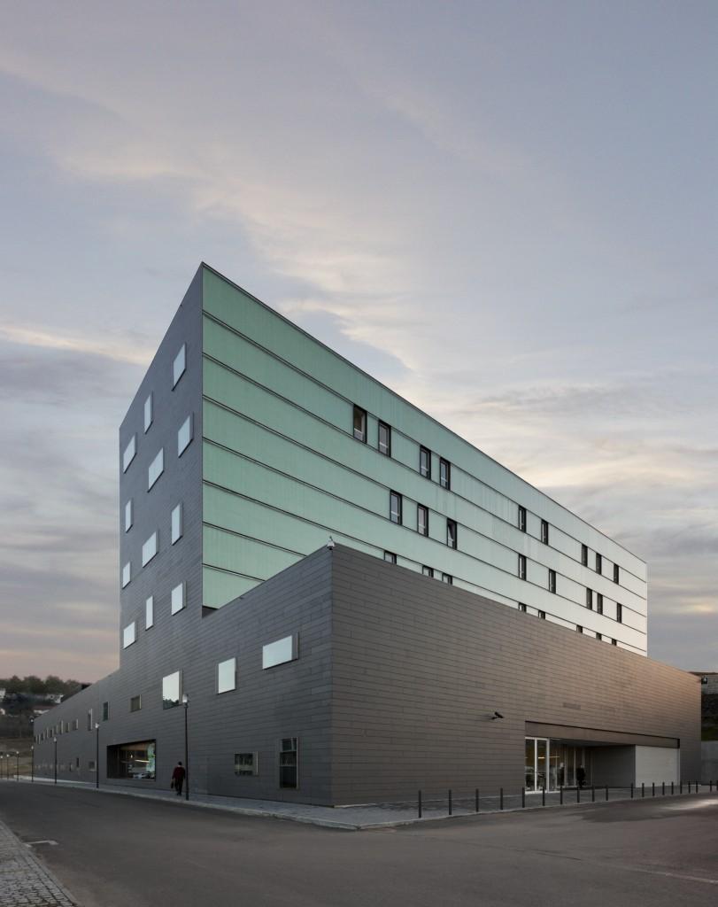 Clínica Guimaraes / Pitagoras Arquitectos, © Luis Ferreira Alves