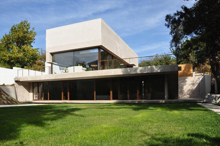 Casa el Monje / Juan Cristóbal Valenzuela Leighton + Eduardo Rivera Barros Arquitectos, Cortesía de J. Cristóbal Valenzuela