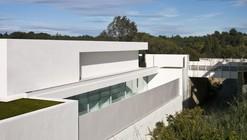 Casa del Atrio / Fran Silvestre Arquitectos