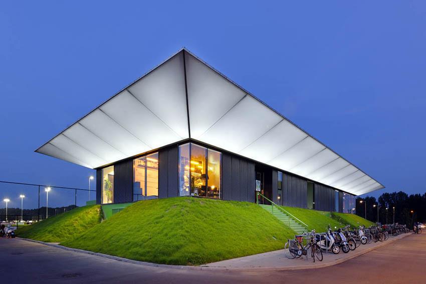 Pabellón Deportivo / MoederscheimMoonen Architects, © Rob 't Hart