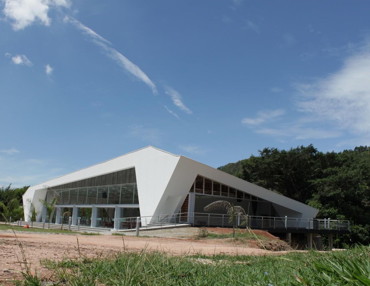 Auditorio Comedor Gimnasio Saucará / C+C Estudio de Arquitectura, © Sergio Hernan Cáceres