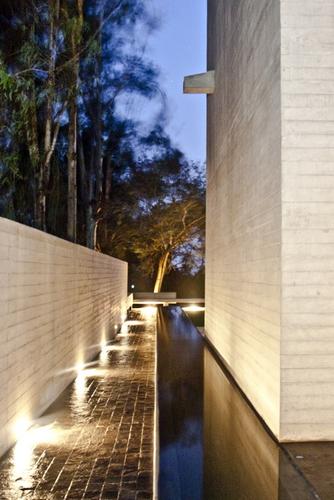 1286801606-de-la-piedra-chapel-nomena-arquitectos-ximena-alvarez----ronald-harrison-4