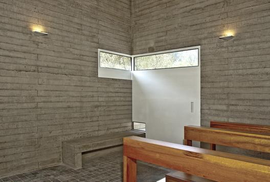 1286801634-de-la-piedra-chapel-nomena-arquitectos-ximena-alvarez----ronald-harrison-11