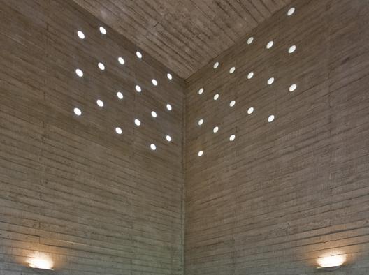 1286801637-de-la-piedra-chapel-nomena-arquitectos-ximena-alvarez----ronald-harrison-12