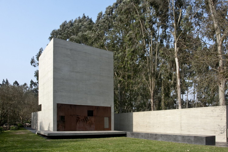 Capilla De la Piedra / Ximena Alvarez + Nomena Arquitectos , © Ronald Harrison