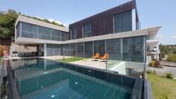 Casa en Voula / Spacelab Arquitectura