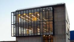 Edificio Corporativo SERINFO / +arquitectos