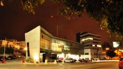 C4 Centro de Mando / Mobile Workshop Architects