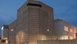 Centro Cultural Bafile / Studio Macola