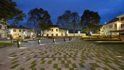 Plaza Victor J. Cuesta / DURAN&HERMIDA arquitectos asociados