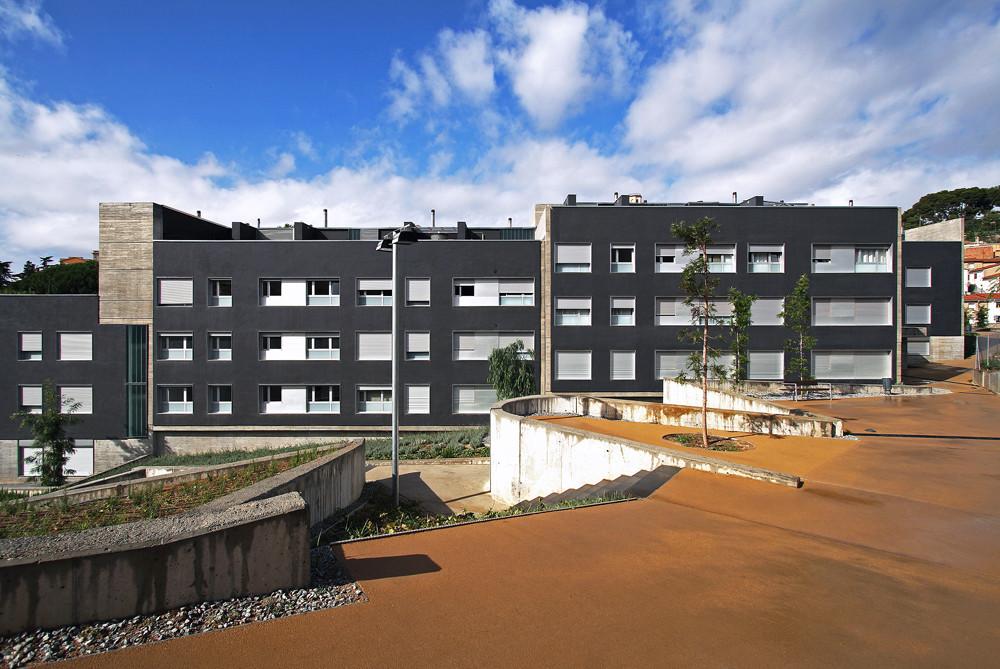 55 Social Dwellings in Can Jordana / Conxita Balcells, © Marcela Grassi