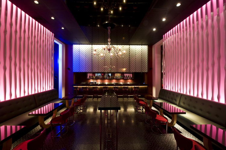 Pub art deco lounge seinfeld arquitectos archdaily colombia - Foto deco lounge ...