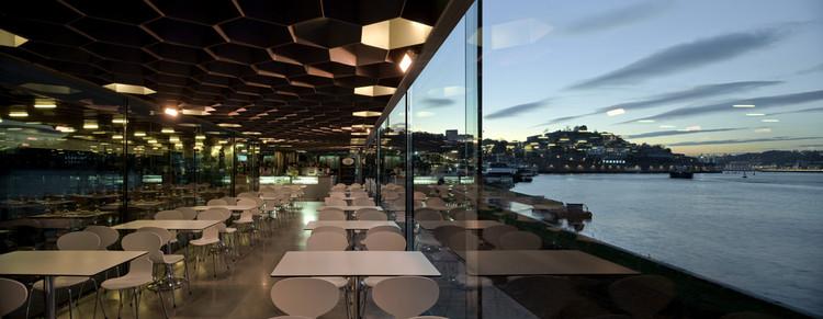Ar de Rio Bar / Menos é Mais Arquitectos, © Fernando Guerra | FG+SG