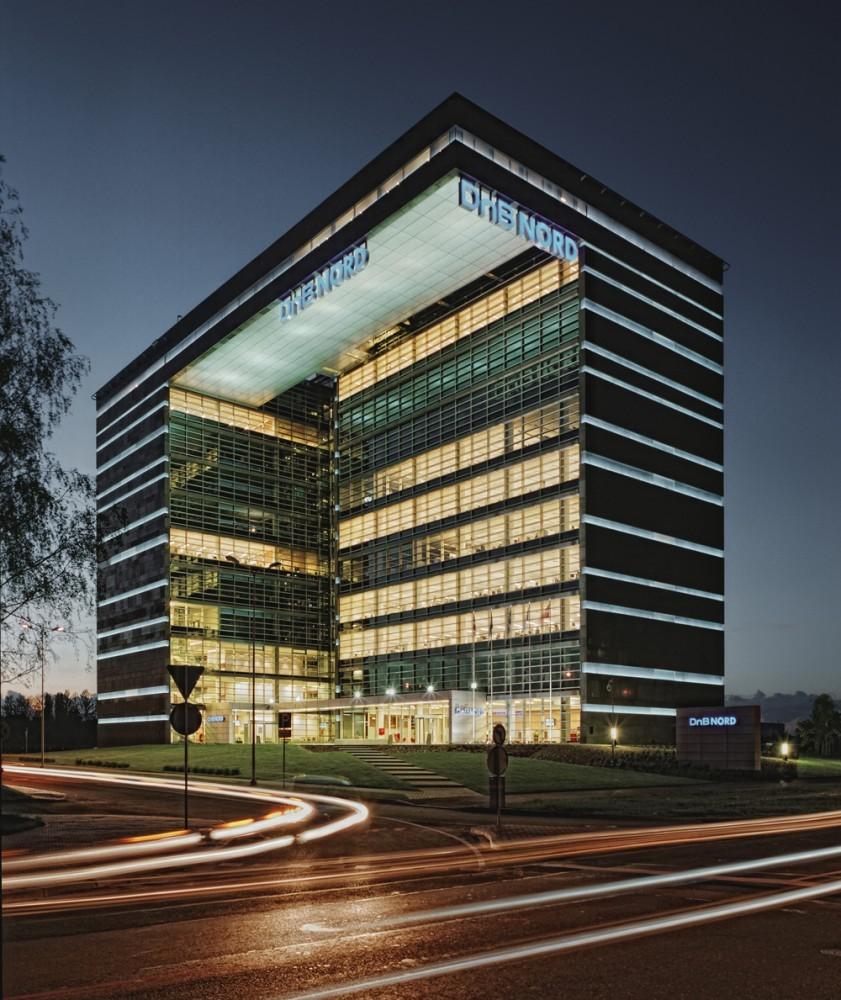 Edificio de oficinas dnb nord audrius ambrasas for Arquitectura de oficinas