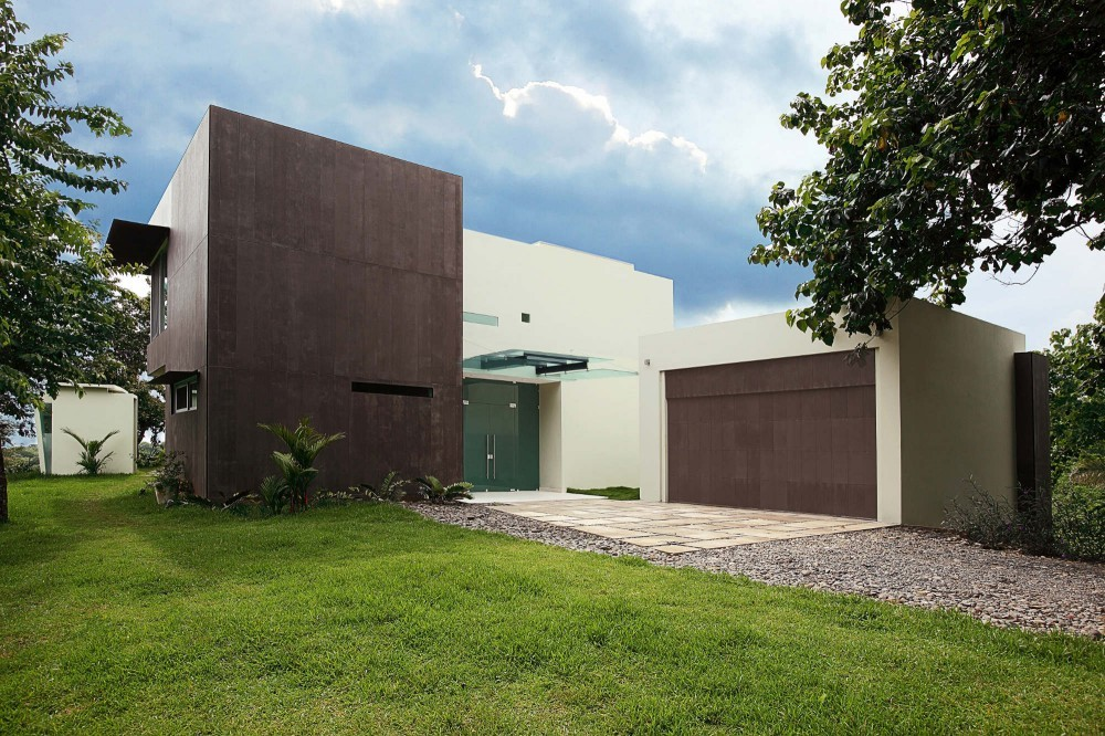 Residencia Triángulo / Ecostudio Architects, © Anny Leiva