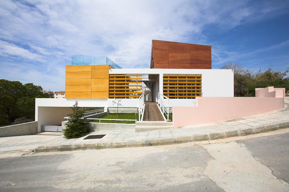 Residencia Petros & Andri / VARDAstudio, © Christos Papantoniou
