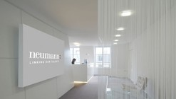 White & Shiny en los Champs Elysées / S.DREI Architektur