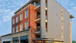 Edificio de Vidrio Southeastern / Sanders Pace Architecture