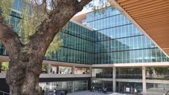 Edificio Consistorial Recoleta / Prado Arquitectos