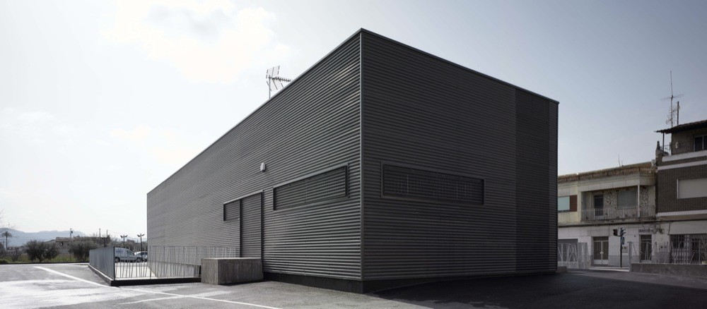 Armer a mu oz momo estudio plataforma arquitectura - Muebles llamazares ...