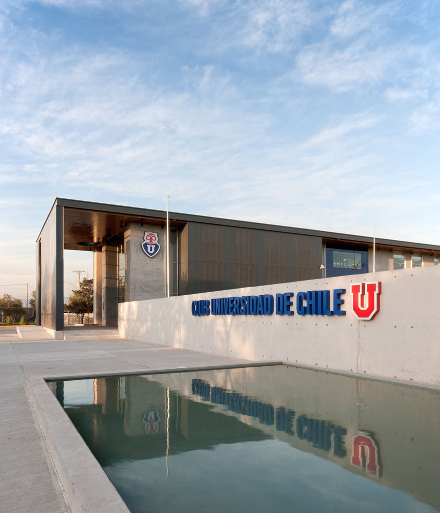 Club Deportivo Universidad de Chile / PLAN Arquitectos, © Pablo Blanco