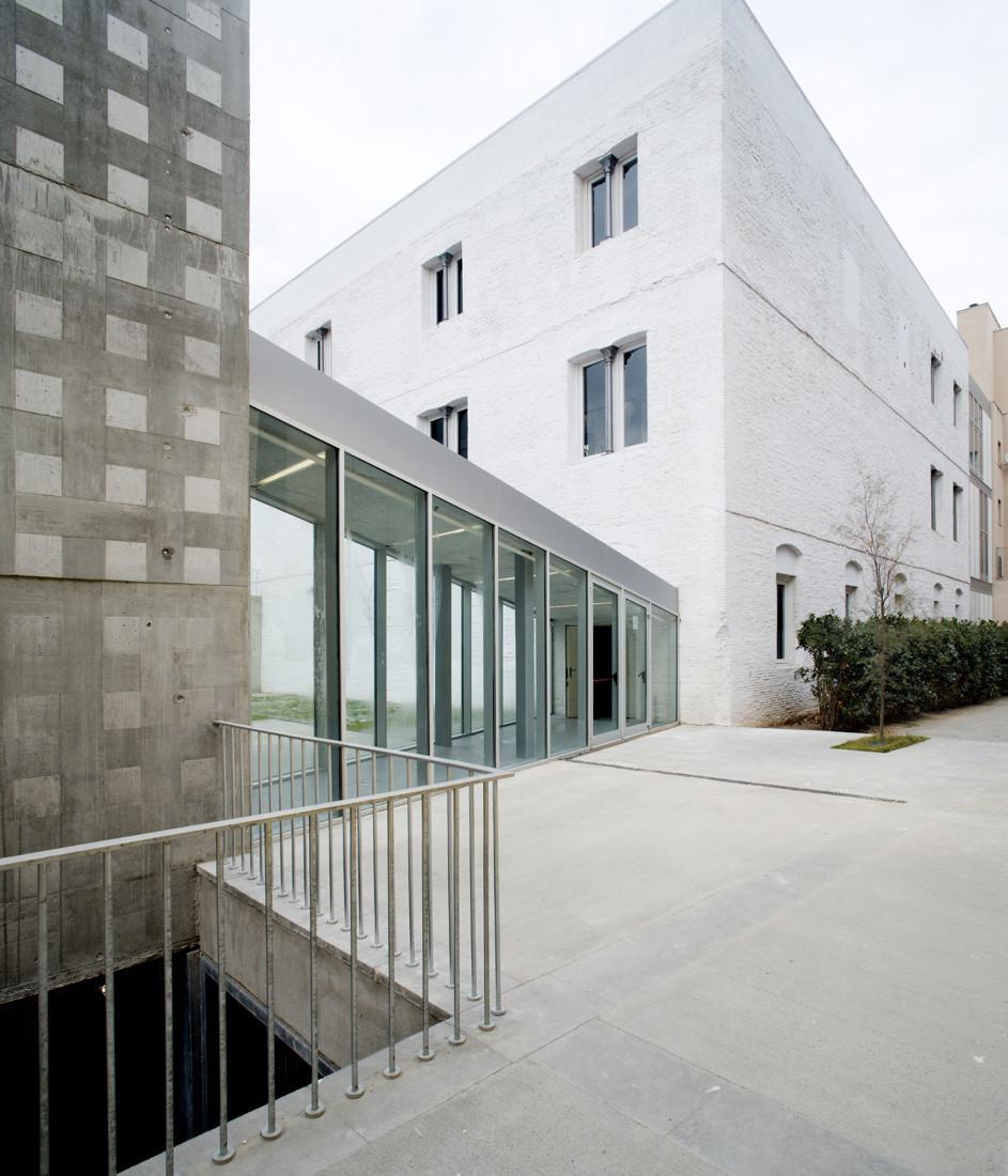 Complejo Deportivo Municipal del Raval. Can Ricart 7 / Vora Arquitectura, © Adrià Goula Sardà