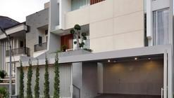 Casa Leo / Edha Architects