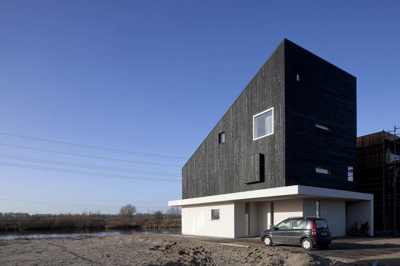 Nueva Villa en Rieteiland Oost / Knevel Architecten, © Luuk Kramer