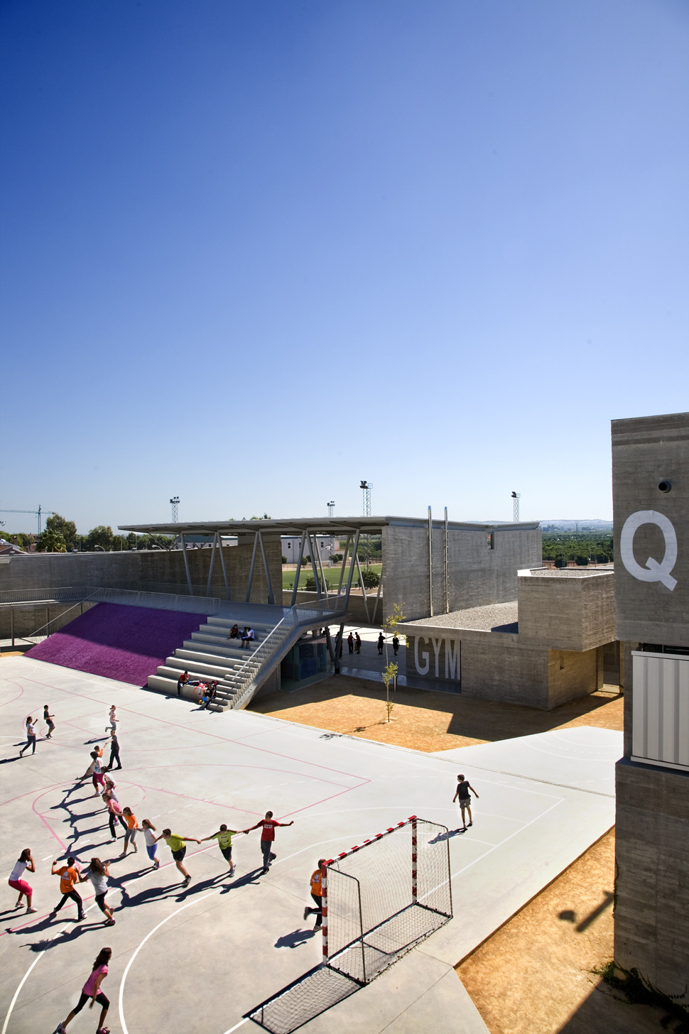 Instituto Rafal / Grupo Aranea, © Jordi Tost Llopis
