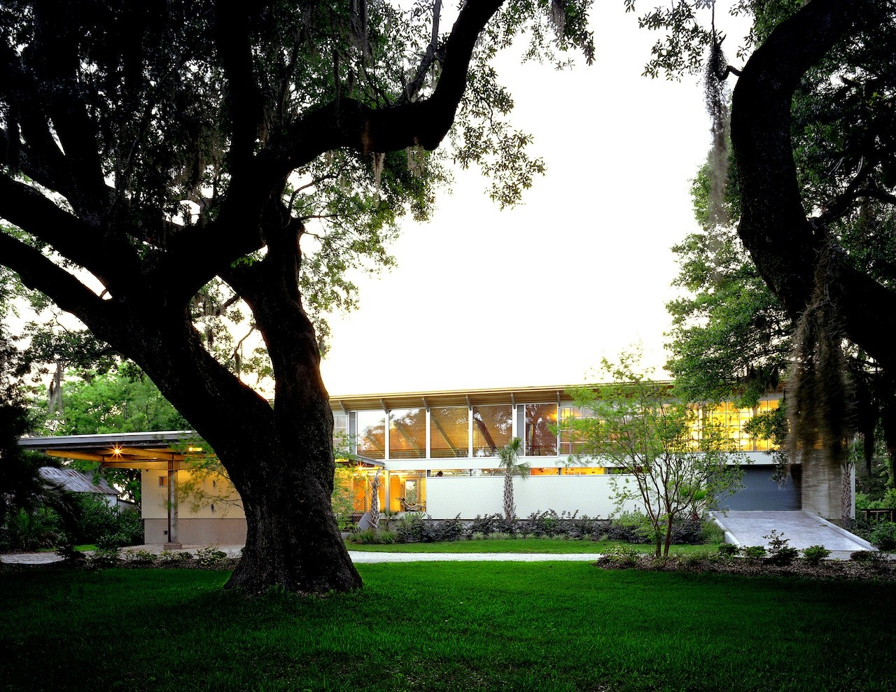 Residencia País Bajo / Frank Harmon Architect, © Richard Leo Johnson, Atlantic Archives, Inc.