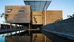 Laboratorio SAP Latinoamérica / Eduardo de Almeida + Shundi Iwamizu Arquitetos Associados