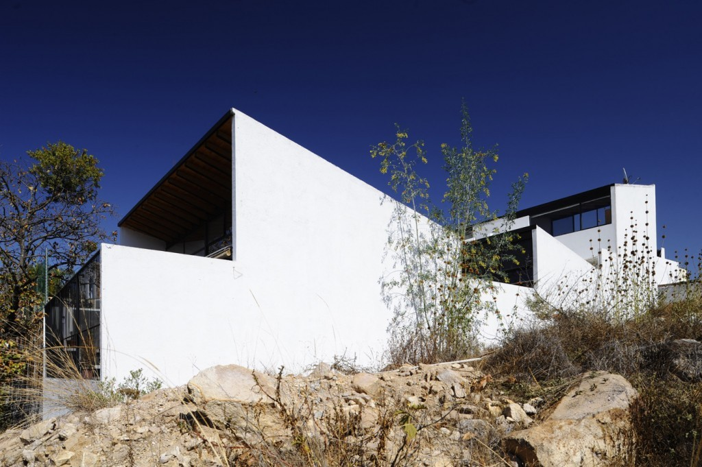 Casa rb sprb arquitectos plataforma arquitectura - Amutio y bernal arquitectos ...