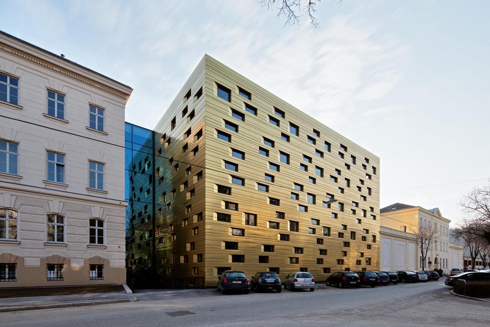 Edificio de Tribunales y Plaza Pública / Erhard An-He Kinzelbach + Christian Kronaus , © Thomas Ott