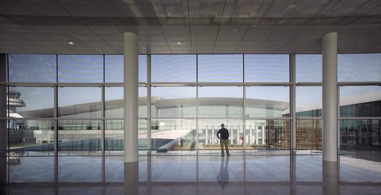 Nueva Terminal Aeropuerto de Barcelona / Ricardo Bofill, Cortesía de Ricardo Bofill