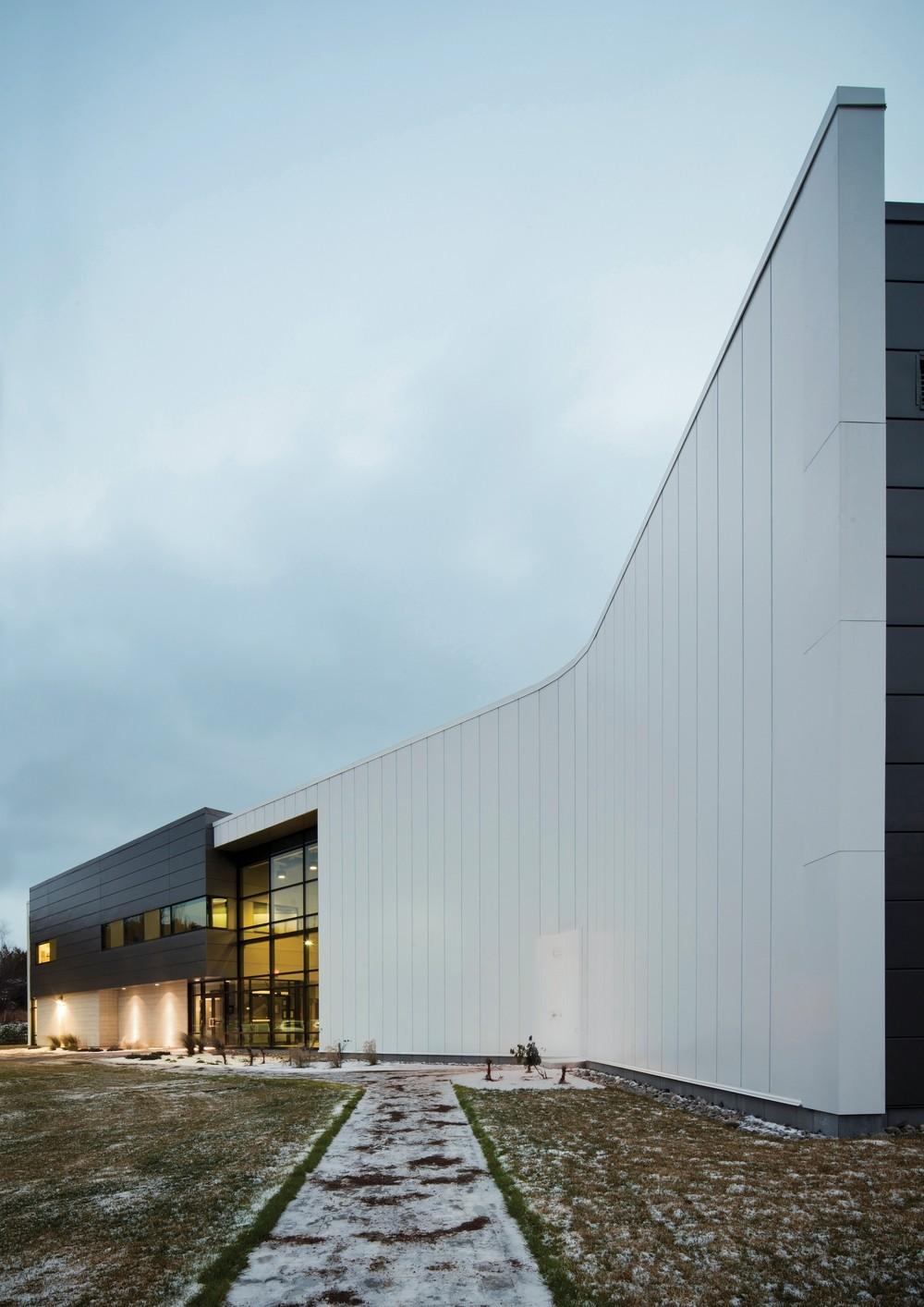Centro de Especialidades Tecnológicas Físicas de Québec / bisson | associés + Carl Charron Architecte, © Stéphane Groleau