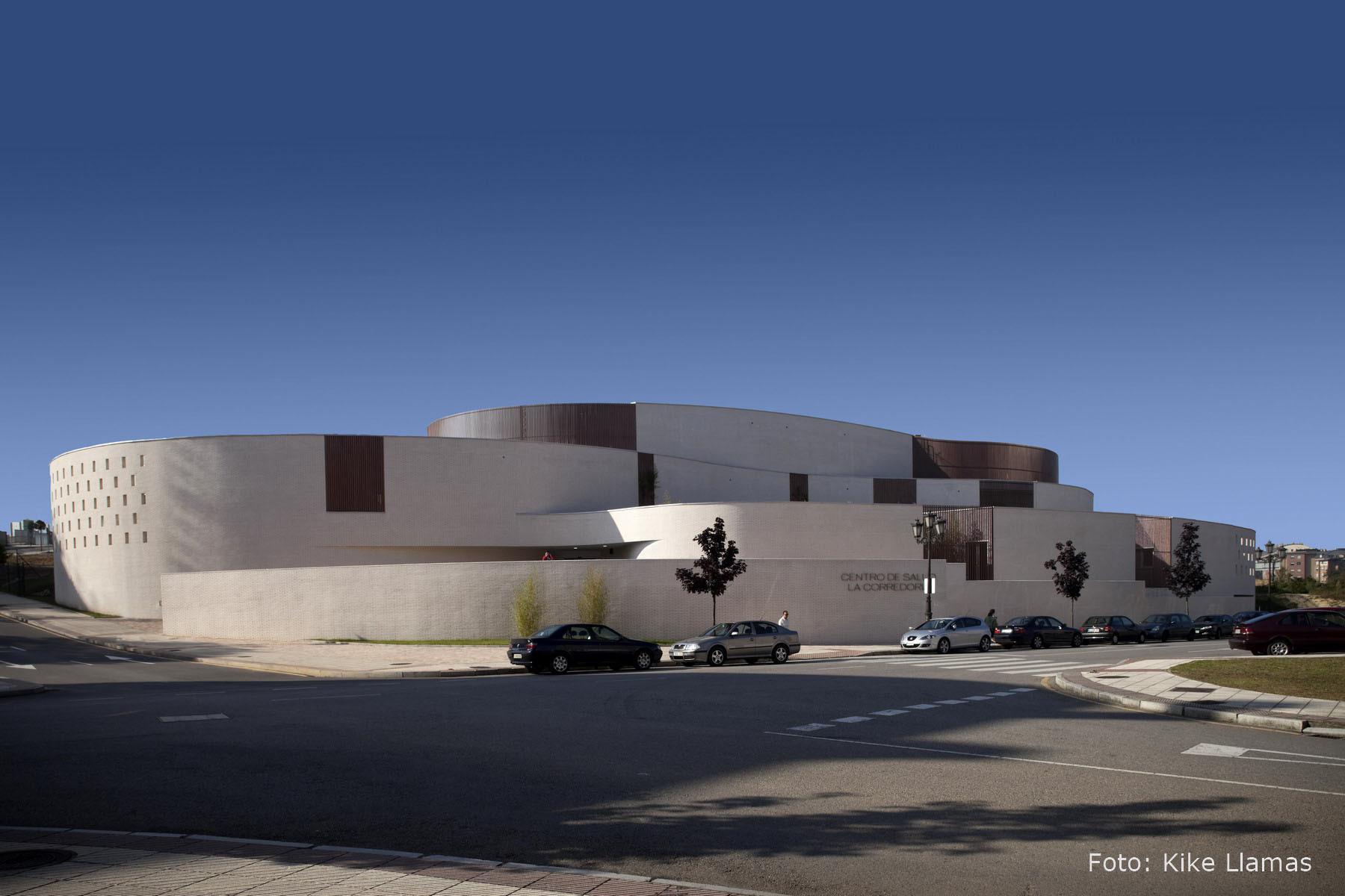 La corredoria health center d az rojo arquitectos - Amutio y bernal arquitectos ...