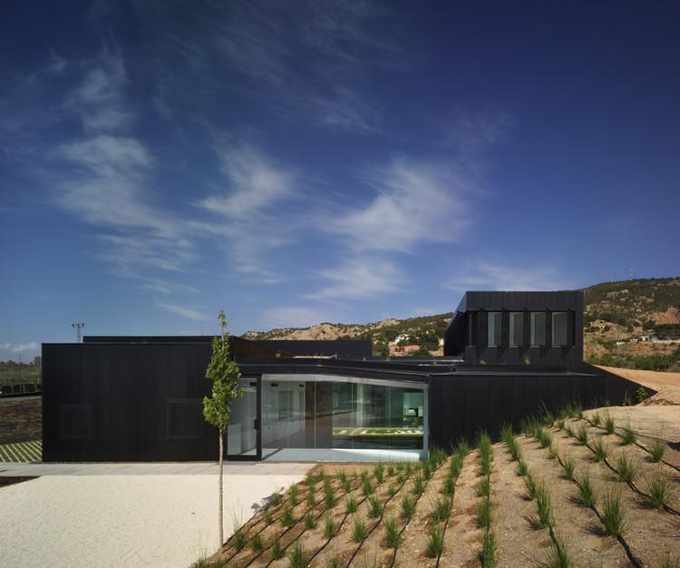 tanatorio y jard n en pinoso cor asociados arquitectos