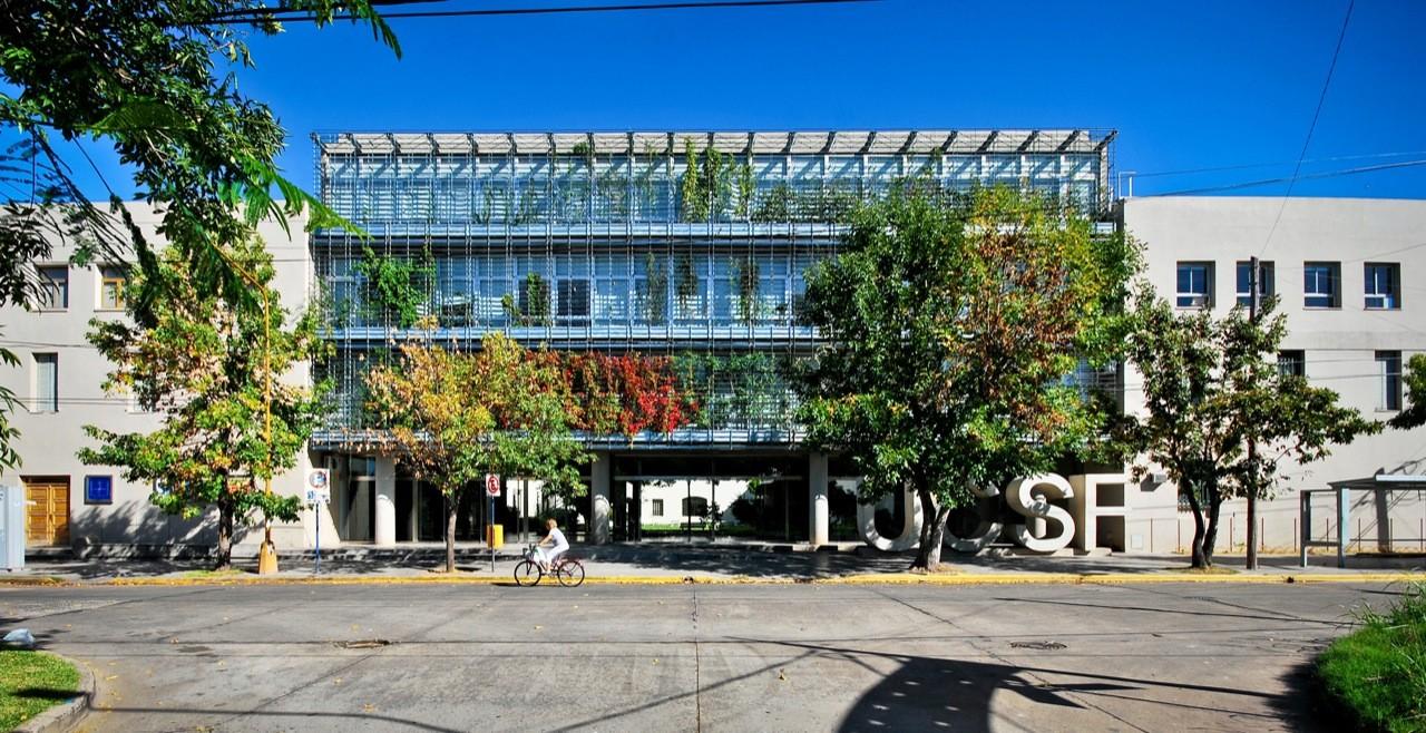 Ampliación Universidad Católica de Santa Fe / Javier Mendiondo  + Lucila Gómez, © Federico Cairoli