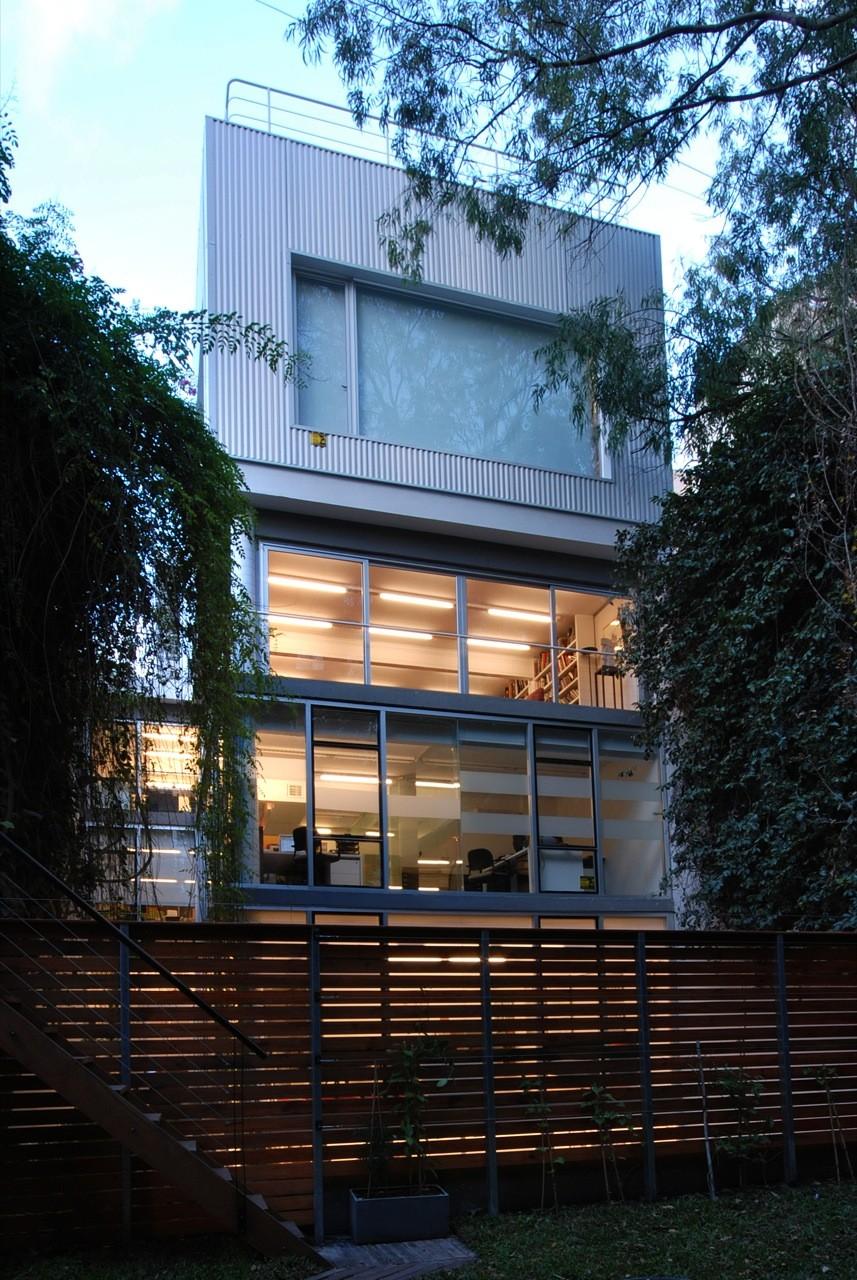 Edificio de Oficinas y Estudio Fotografico / Estudio Rietti Smud, © Luis Abreu