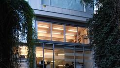 Edificio de Oficinas y Estudio Fotografico / Estudio Rietti Smud