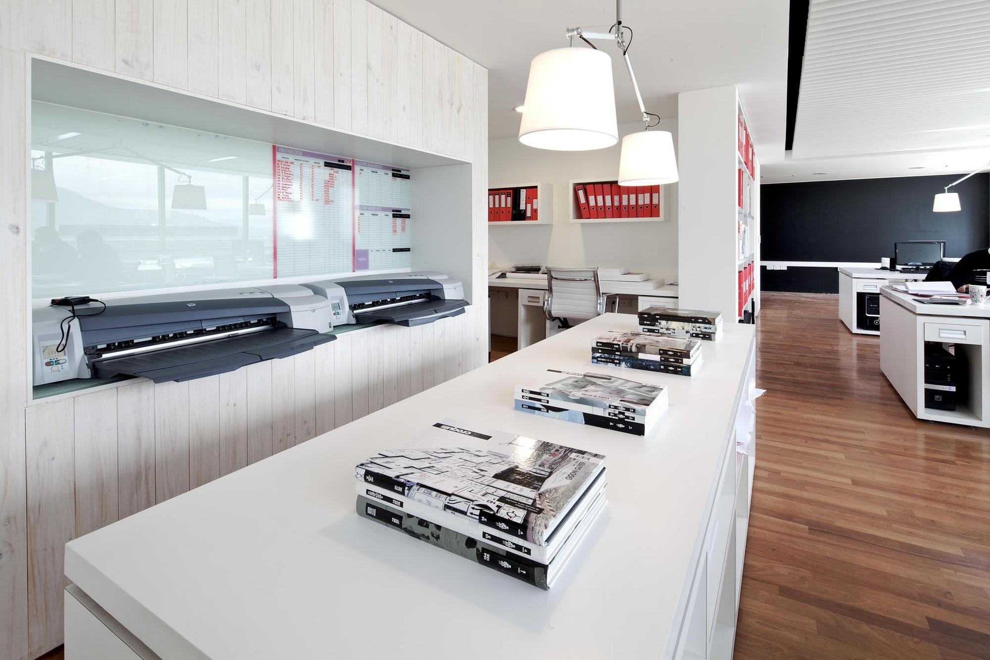 Galer a de oficinas kitcorp nicol s lipthay kitcorp 9 - Despacho arquitectura barcelona ...