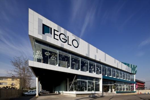 Showroom Eglo Vespucio / Onsite M+D
