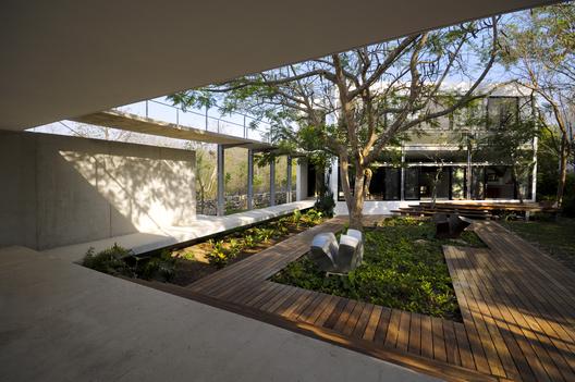 Casa Entre Rboles Mu Oz Arquitectos Asociados