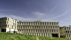 Edificio de viviendas VPO y aparcamiento de Llobregat / BBarquitectes